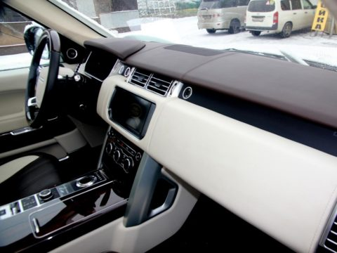 Перетяжка салона Range Rover