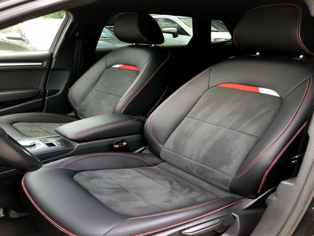 Перетяжка салона Audi A3 Sportback