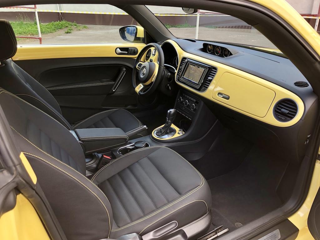 Перетяжка салона Volkswagen Beetle