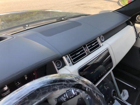 Перетяжка торпедо Range Rover 2020