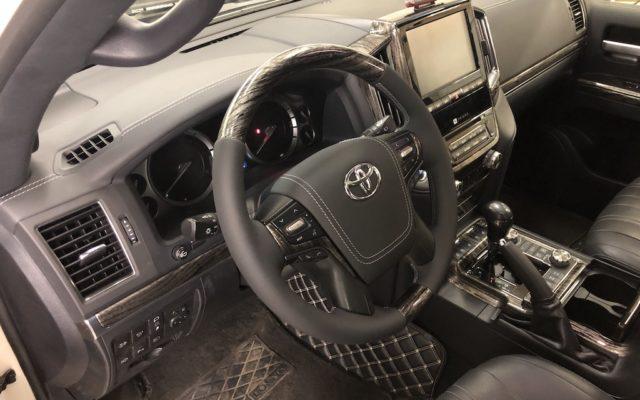 Перетяжка Toyota LC200